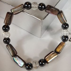 B46 Blk & Slvr Mother Of Pearl Stretch Bracelet